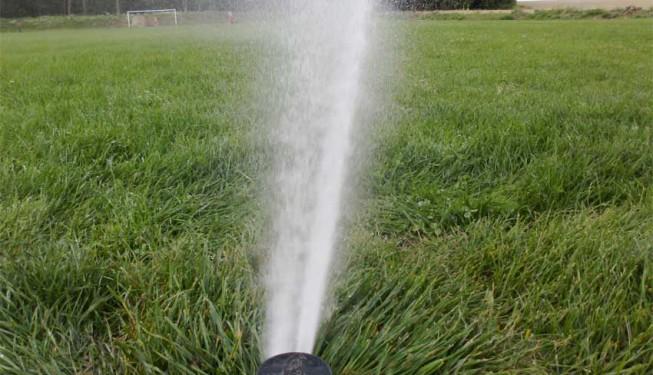 Postřikovač I-25 - distribuce vody dvojitou tryskou, srážková výška 15 mm/h