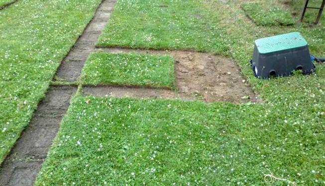 Slupování trávníku pro šachtu s elektroventily
